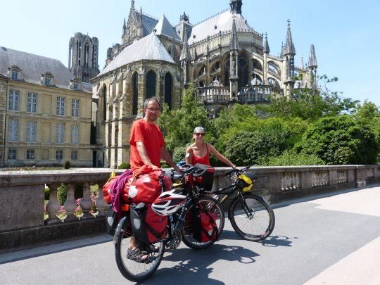 Fietsreis fietsbedevaart fietsblog reisverslag review Santiago de Compostela Reims