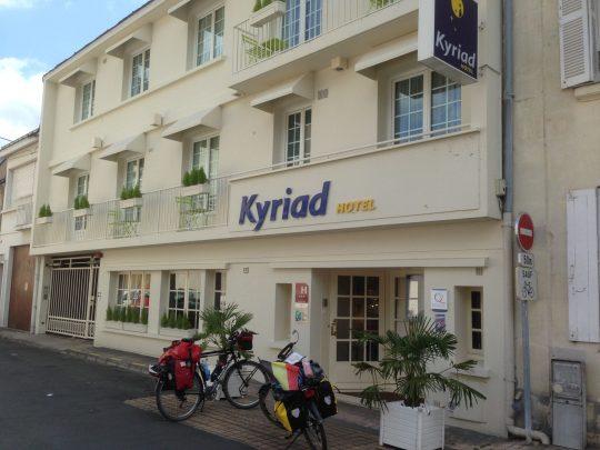 Fietsroute fietsreis fietsblog fietsverslag review fietsvakantie Loireroute Kyriad Hotel Saumur