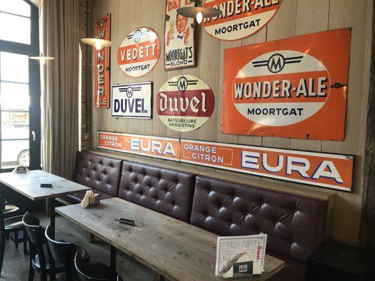Fietsblog fietsroute fietscafé review Duvel brouwerij Moortgat interieur