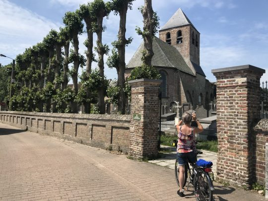Fietsroute fietsblog review polder oude dijken Ettelgem kerk romaans