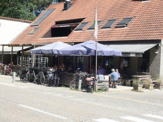 Fietsroute review fietsblog Mie Maan herberg fietscafé