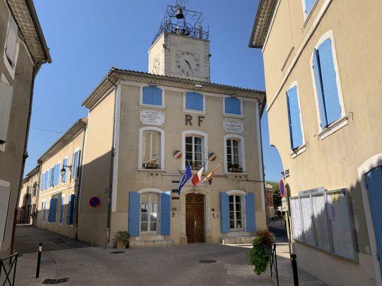 Fietsreis reisverslag viarhona dagboek Caderousse Mairie