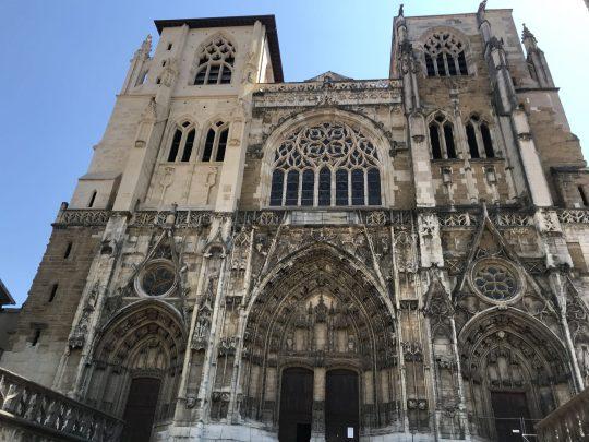 Fietsreis reisverslag viarhona dagboek Vienne kathedraal