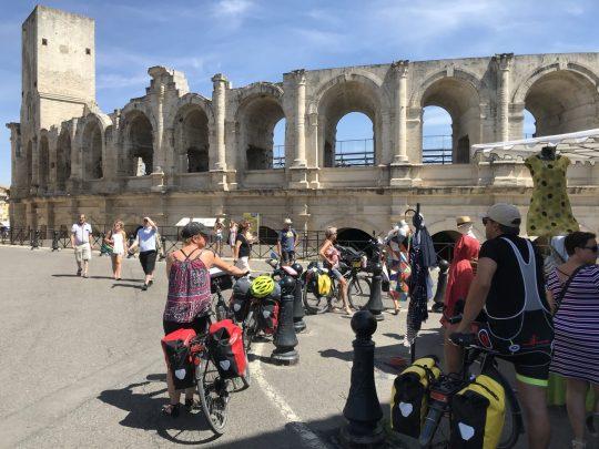 Fietsreis reisverslag viarhona dagboek Arles Provence