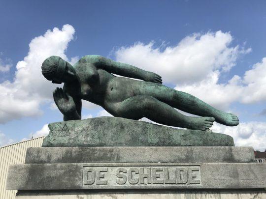 Fietsroute fietsblog review Schelde standbeeld Temse