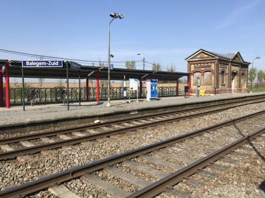 Fietsroute, fietsblog, review, zalmroute, zalmvallei, zwalmstreek, water, Balegem-Zuid station
