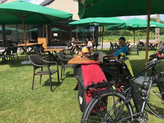 Fietsroute, fietsblog, review, Paters en prinsen culinaire fietsroute, Harmonie, ijsbar
