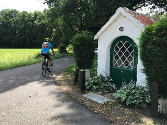 Fietsroute, fietsblog, review, Paters en prinsen culinaire fietsroute, kapelletje