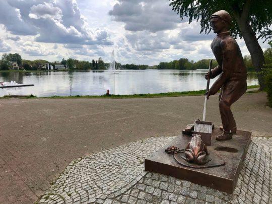 Fietsroute fietsblog review fietslus fietsverslagen Donkmeer Overmere Turfutter standbeeld